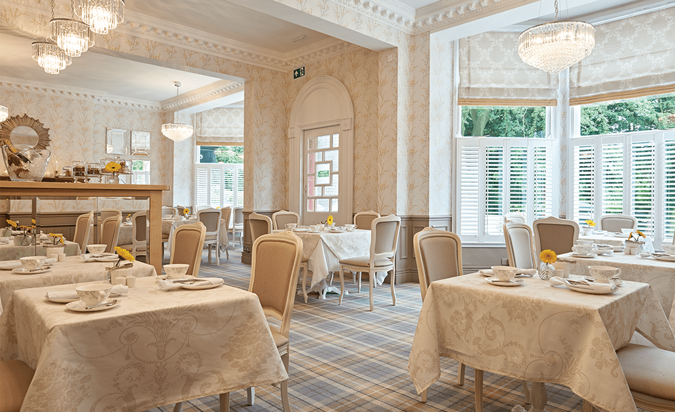 hotel tables tearoom